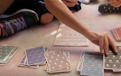 Djeca igraju društvenu igru, ilustracija - 2