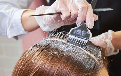 Bojanje kose, ilustracija