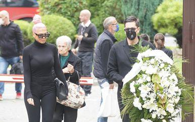 Marina Tucaković sprovod, Jelena Kareluša