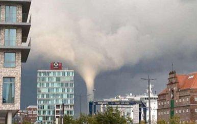 Tornado napravio kaos u Njemačkoj - 1