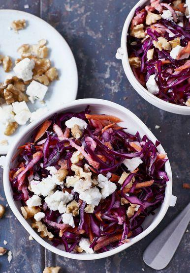 Salata od crvenog kupusa, oraha i sira