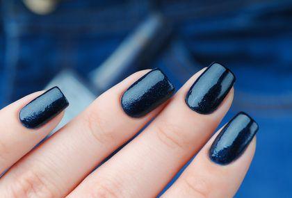 Među popularnim nijansama je i tamno plava