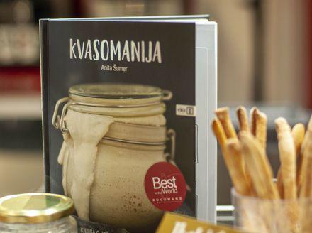 Predstavljanje knjige Kvasomanija Anite Šumer u Zagrebu - 4