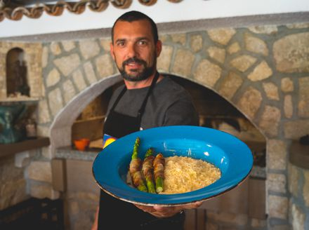 David Skoko kuha kremasti rižoto od četiri vrste sira uz grilane šparoge