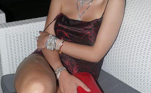 Mlada izgleda djevojka porno