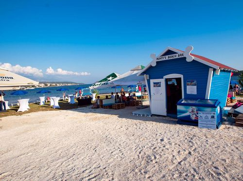 Monty\'s Dog Beach & Bar - 2