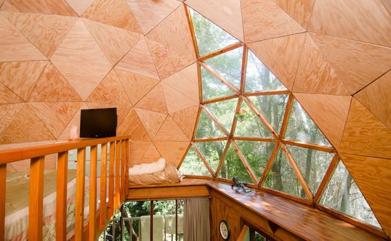 Kućica u obliku gljive u Kaliforniji na Airbnb-u - 4