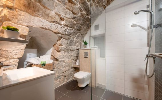Stan u vinskom podrumu u Splitu - 5
