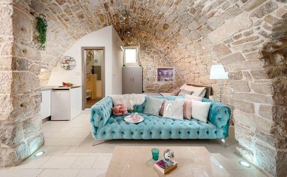 Stan u vinskom podrumu u Splitu - 6