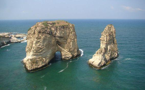 Pogled na Raouché litice, Bejrut (Foto: Vikendmanijaci.com)