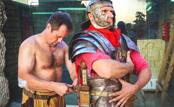Borbe gladijatora: Spectacvla Gladiatoria u Areni Pula