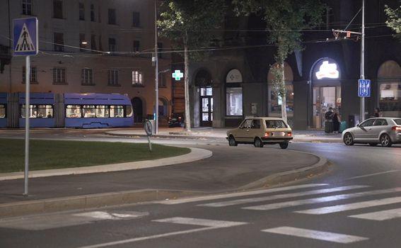 Noćna vožnja Zagrebom u Yugu