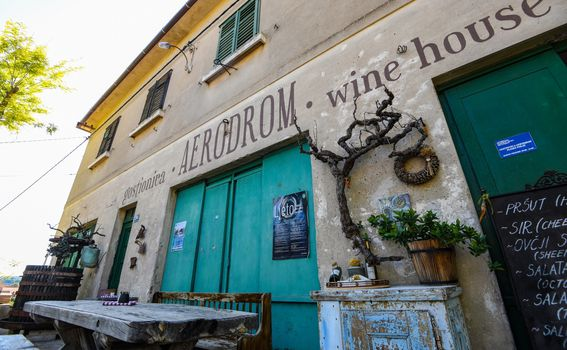 Aerodrom Wine House