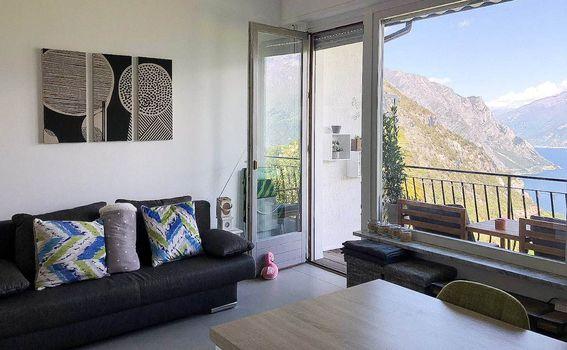 Apartman s pogledom na jezero - 9