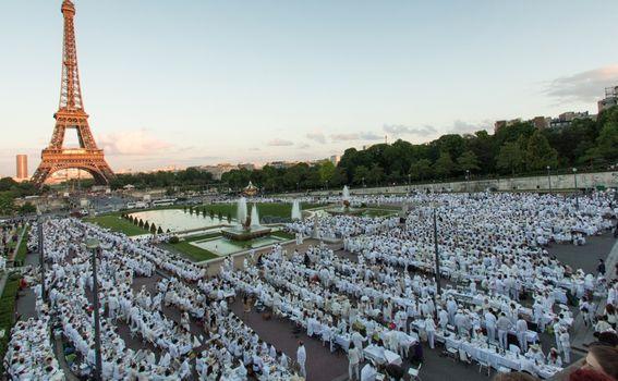 U Parizu se na pikniku okupi i do 10 tisuća osoba