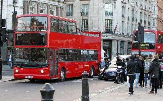 Dvokatni autobus - 7