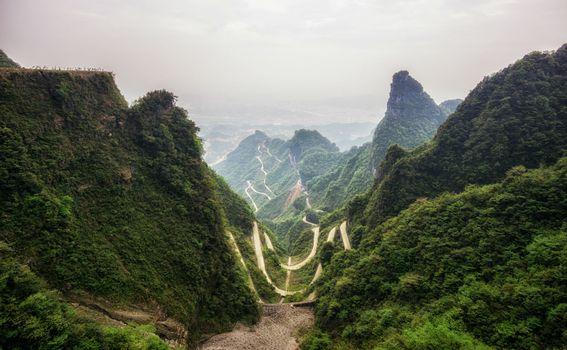 Tianmen Mountain Road, Kina - 1