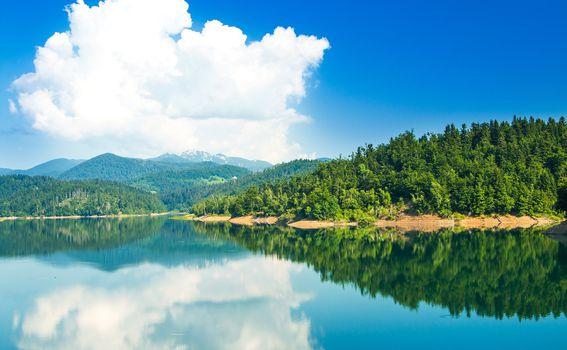 Lokvarsko jezero