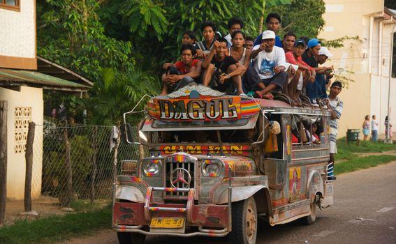 Jeepney, Filipini - 4