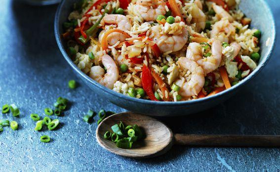 Pržena riža s kozicama, đumbirom i povrćem