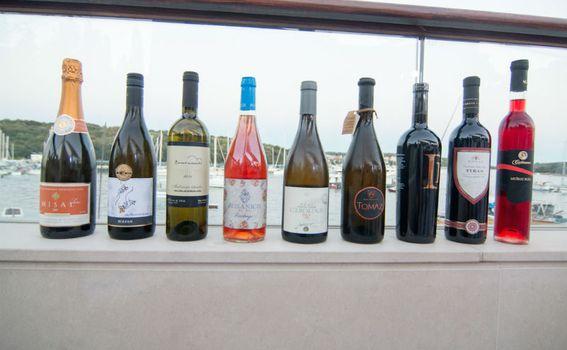 Vrhunska vina na specijalnoj večeri u Ribarskoj kolibi
