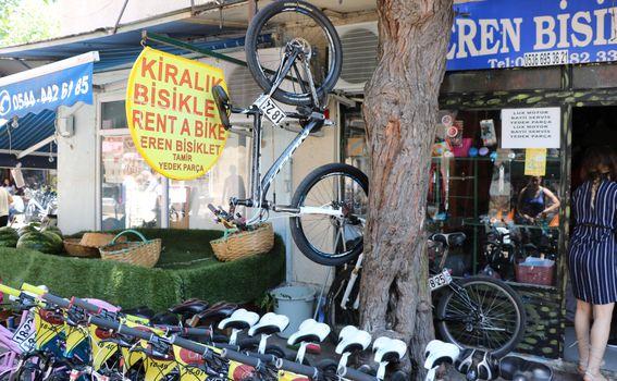 Većina se po otoku vozi biciklima