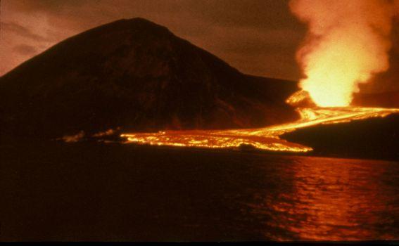 Velika vulkanska erupcija je stvorila otok Surtsey