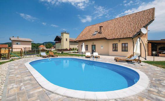 Kuća za odmor u Krašiću s 4 spavaće sobe