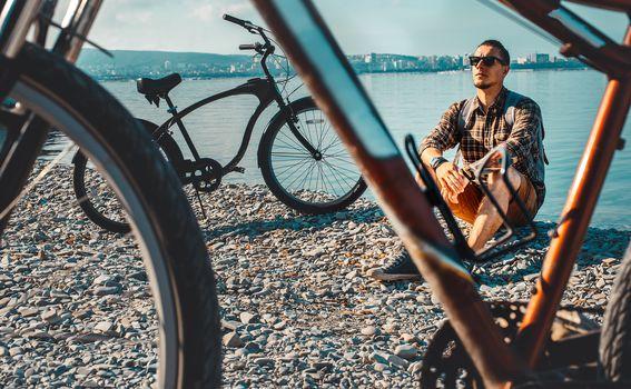 Važno je biti svjestan kako i vozač bicikla snosi iste odgovornosti kao i vozač motornih vozila