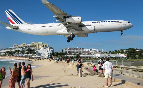 Slijetanje aviona može biti pogubno za kupače