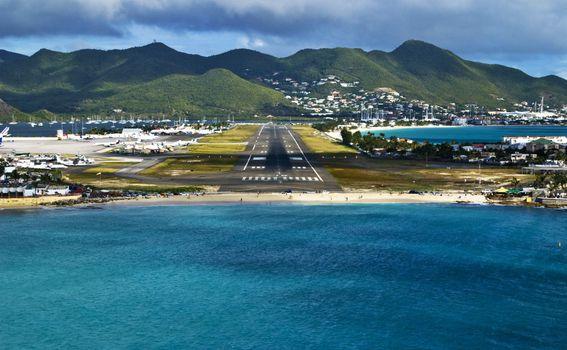 Na otoku nije bilo mjesta za dugu avionsku pistu