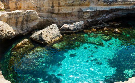 Prirodni bazen Grotta della Poesia u Italiji - 1