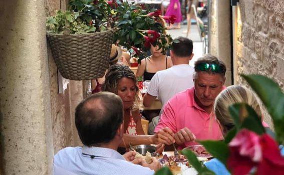 Wine & tapas bar Lole, Korčula - 2