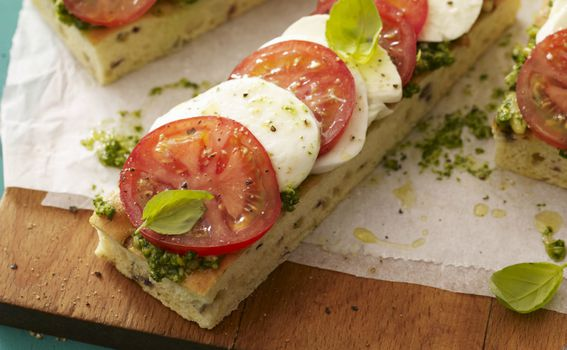 Pesto genovese može se staviti i na sendviče
