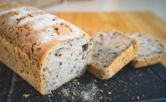Kruh s proklijalim lanom