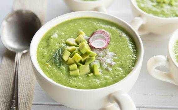 Hladna juha od avokada