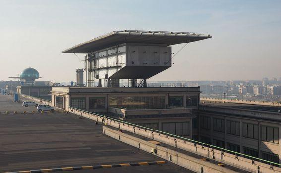 Na krovu nekadašnje Fiatove tvornice nalazi se pista za utrkivanje autima