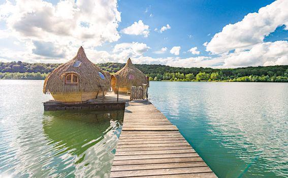 Kućica na jezeru