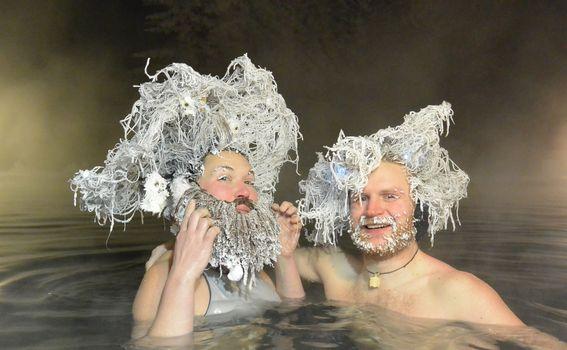 Natjecanje smrznutih frizura Takhini Hot Springs - 3