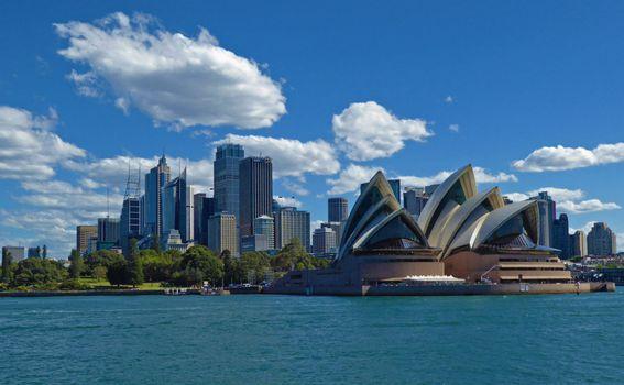 Pogled na Opera House i centar grada