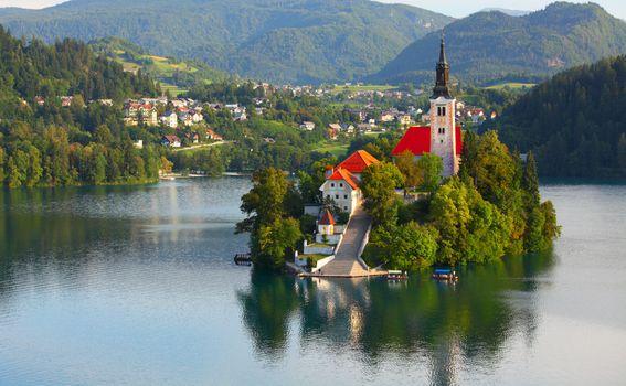 Jedini slovenski otok...