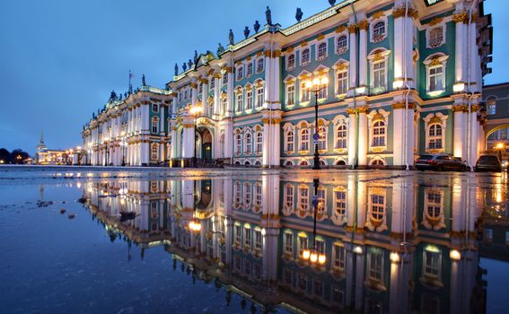 15. Ermitaž u Sankt-Peterburgu