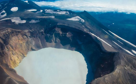 Jezero vulkana Maly Semyachik - 3