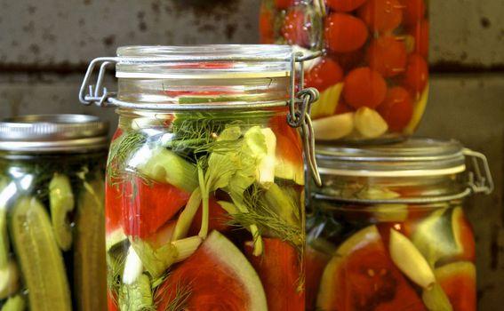 Ukiselite cijelu lubenicu