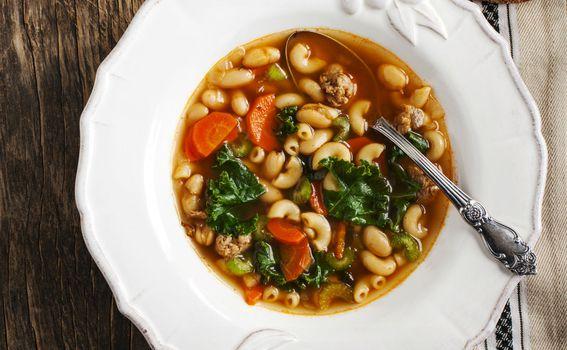 Varivo od graha, tjestenine i povrća