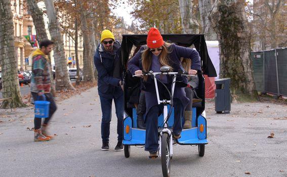 Povezi rikšu i ovedi nekog na advent (Foto: Punkufer)