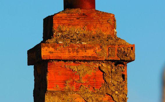 Prekrasno ukrašeni dimnjaci dominiraju vizurom Lastova