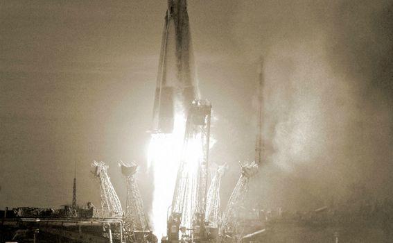 Lansiranje rakete sa Sputnjikom 1