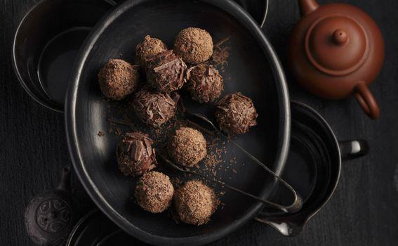 Čokoladne kuglice s dodatkom kestena