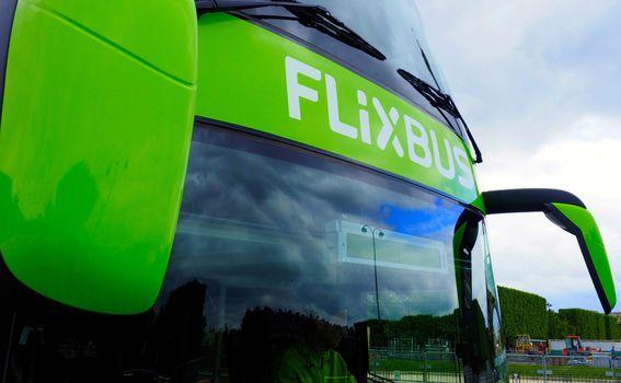 Autobusi s više prostora između sjedala